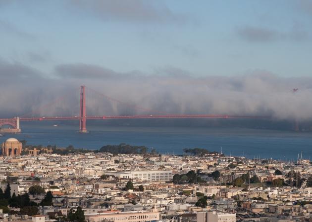sunriise -GGB- fog-2801